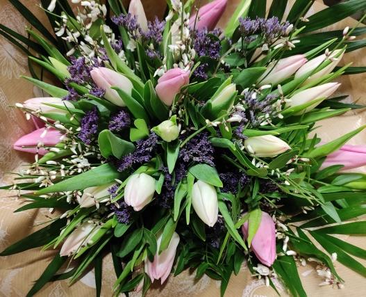 bouquet de tulipes de couleurs différentes