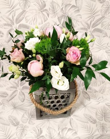 lanterne à suspendre accompagné d'un bouquet